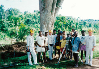 パプアニューギニア農地造成計画を指導